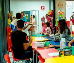 Niños toman espacios de la Biblioteca de Los Palos Grandes